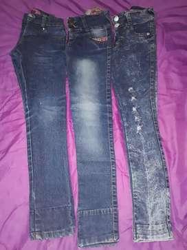 Pantalón de nena talle 10.10.8 en buen estado los 3x $800