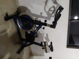 Vendo bicicleta spinning GENOA en excelente estado