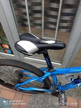 Se vende bicicleta GW piraña 9 velocidades frenos idraulicos