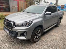 Toyota Hilux SRX AT