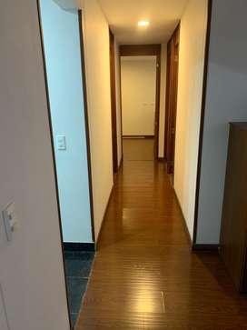 Arriendo apto Gran Granada, piso 3