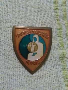 Antiguo pin Congreso Mariano 1980 Mendoza . Distintivo religioso . Grande