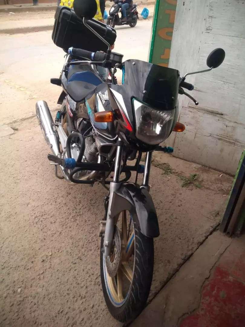 Vendo moto con todo al día 0