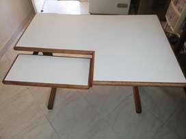 Escritorio madera con base metalica