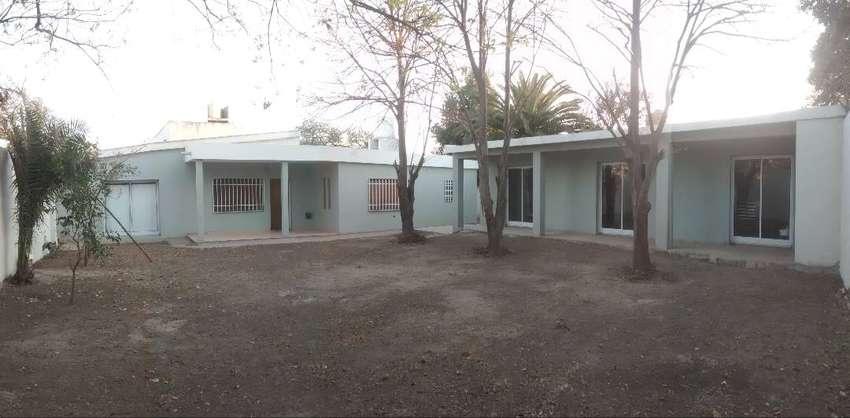 Dueño vende casa Ribera Indarte- Recibo lote en zona Valle Escondido 0
