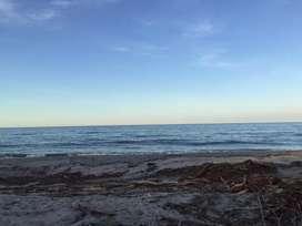 Lote terreno con frente de playa