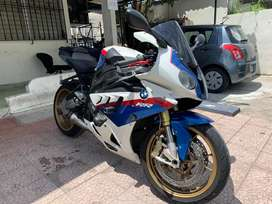 Vendo bmw s1000rr en buen estado full extras