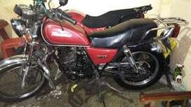 Moto Roja marca Thunder