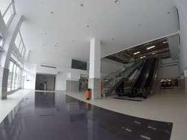 Alquiler Locales en Centro Comercial en Av. Carlos Julio Arosemena