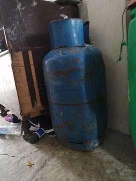 Se vende cilindro de gas en 40 dolar