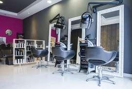 Peluquería solicita los servicios de estilista, manicurista, peluqueros barberos.