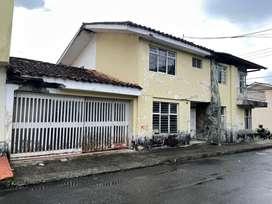 Se vende Casa Barrio Santa Clara excelente ubicacion