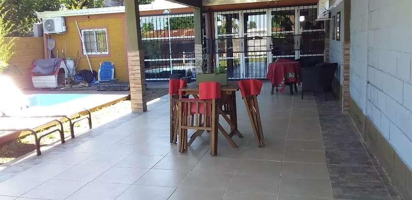 Casa quincho con inmejorable ubicación. A una cuadra de uruguay y buchardo. Con otra pieza y baño en construcción 0