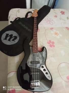 Bajo eléctrico ( Fender Squier jazz bass )