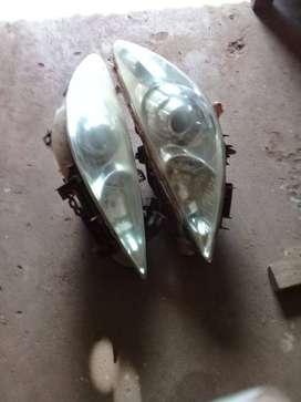 Vendo faros y neumáticos