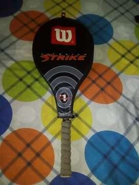 Vendo raqueta wilson