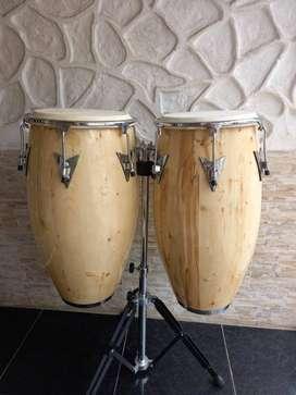 Congas en madera cobra percussion.