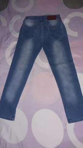 Jeans de nena usada talle 8 en buen estado