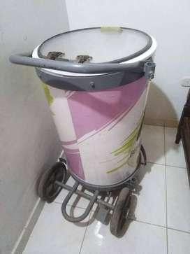 Se vende tanque para mantener las bebidas heladas