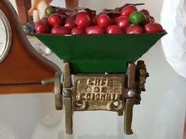 Trilladora de café en bronce pequeña