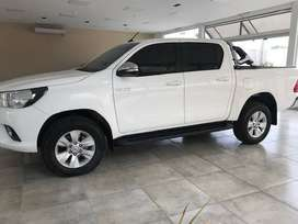 TOYOTA HILUX 4X2 SRV 2017 (IMPECABLE )