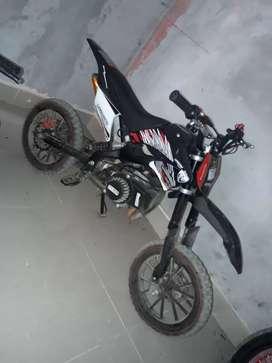 Vendo moto y cuadron 50 cc