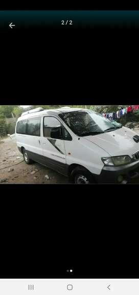 Minivan Hyundai starex