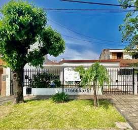 Casa 5 ambientes ideal 2 familias muy buena ubicación!