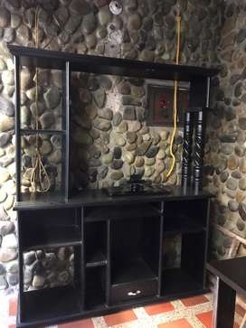 Mueble de madera multimedia