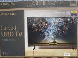 """Vendo Smart TV Samsung curvo RU7300 49"""" 4 meses de uso"""