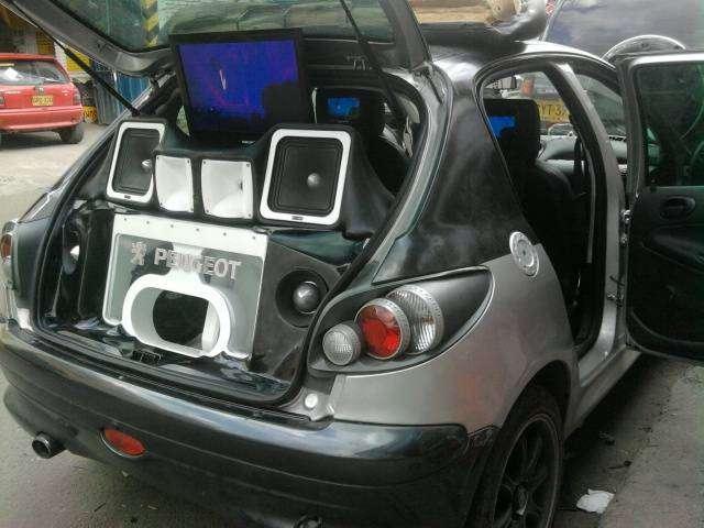 Servicios de Instalador profesional de Car Audio y Polarizados
