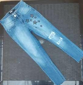 Vendo jeans talla 3 nuevo