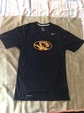 NIKE DRI-FIT Mizzou Tiger, Remera Nueva Original de Entrenamiento Universidad de Missouri,Talle Small, oficial Nike