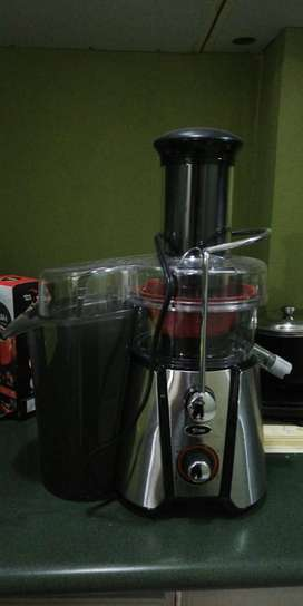 Extractor de jugos - JusSimple Oster