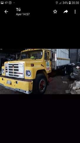 Venta de camión en excelente estado.
