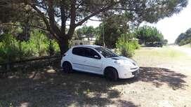 Peugeot compact