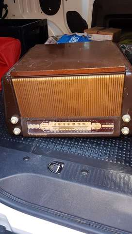 Radio Tocadisco Antiguo