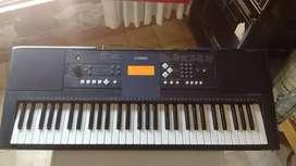 Vendo teclado Yamaha PSR E333