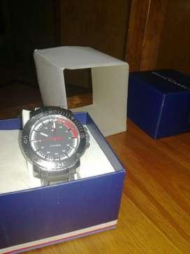 Reloj Tommy.  Oferta de Esta Semana Efvo
