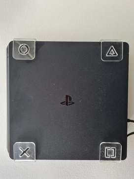 Play 4 500GB + 2 Controles + 8 Juegos + Base de pared