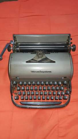 Venta de Maquina de Escribir Antique Clásica