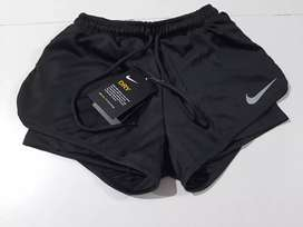 Short deportivo Nike con con calza 2020