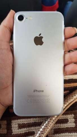 Vendo iPhone 7 de 32Gb Plata