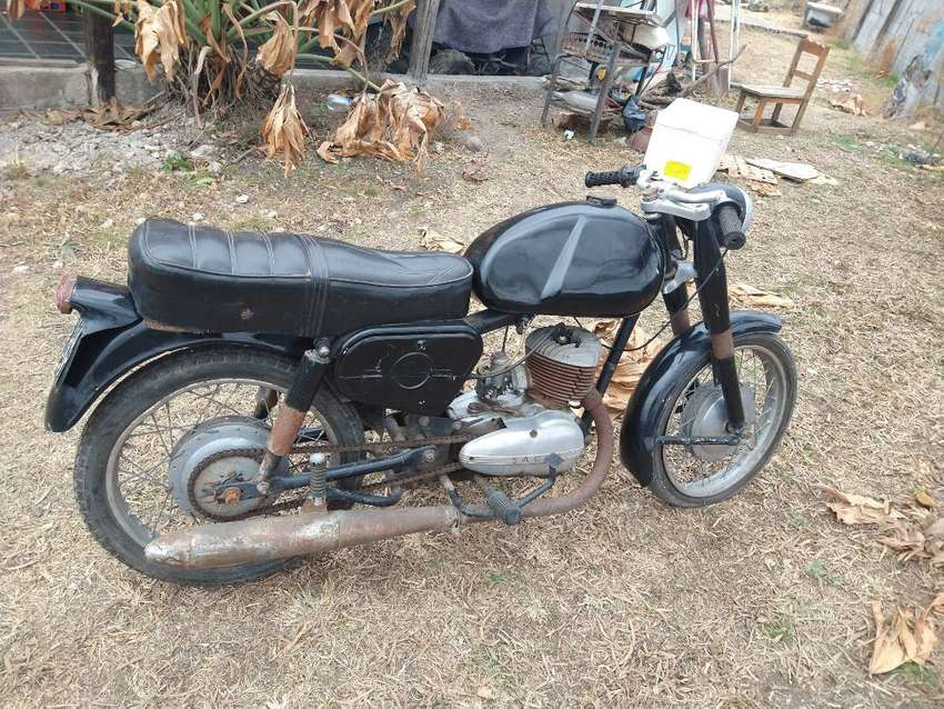 Moto antigua Serie puma quinta 0