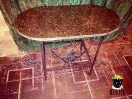 Vendo mesa ratonera de marmol hermosa mesita