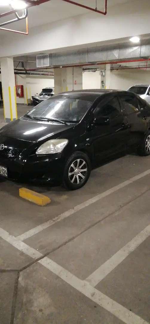 Toyota yaris aire aros con gnv año 2012 cel9956. 58034 plaza  la bandera 0
