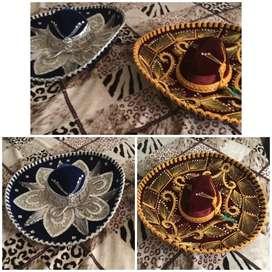 Vendo  dos sombreros mexicanos nuevos