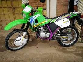 Se vende kmx 125 modelo 2009