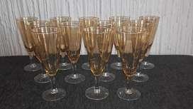 12 copas color ambar
