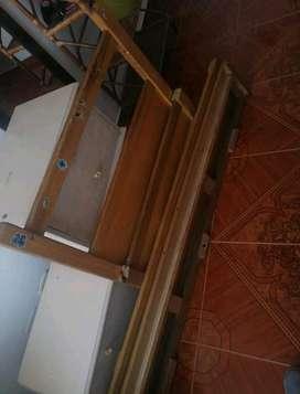 Cama de madera con su colchón